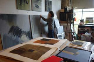 Félicie Vignat dans son atelier