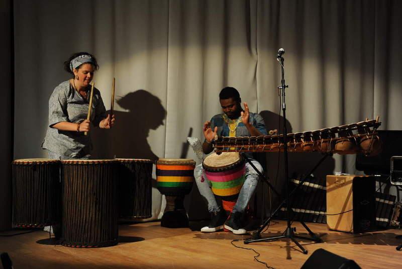 Marainne Lemoign, Adiouma Diabaté - Percussions