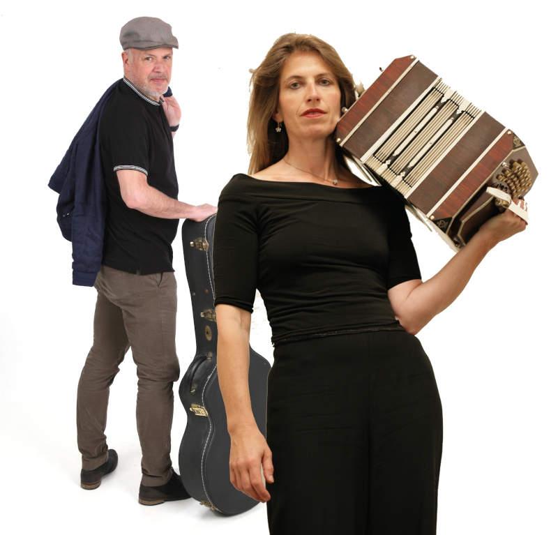 Héléna Ruegg bandonéon et Rob Bangert guitare
