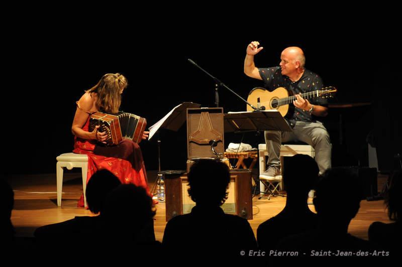 Nostalghia Héléna Rüegg & Rob Bangert
